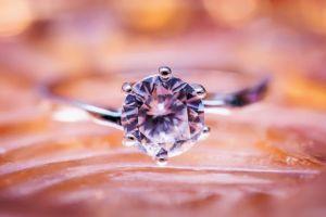 Care este diferența dintre diamant și briliant?
