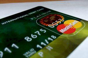 Când intră banii pe card? Care este durata unui transfer bancar?