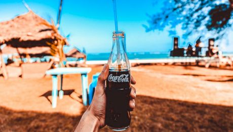 Este adevărat că rețeta Coca-Cola este cunoscută doar de doi oameni?