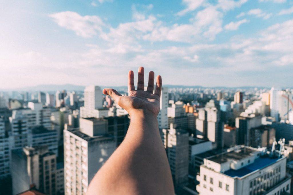 Mana umană are cinci degete