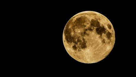 Ce s-ar întâmpla dacă n-ar mai fi luna pe cer?