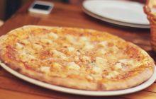 """Cine a inventat pizza? De unde vine cuvântul """"pizza""""?"""