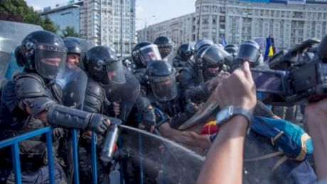 Ce sunt gazele lacriomgene? Care e istoria Jandarmeriei Române?