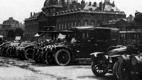 E adevărat că în Primul Război Mondial soldații francezi mergeau pe câmpul de luptă cu taxi?