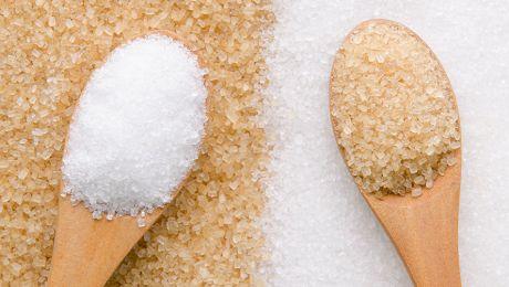 Care este diferența dintre zahărul brun și zahărul alb?