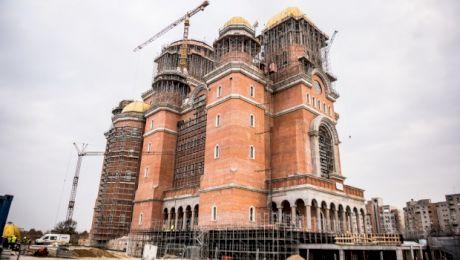 Care este asemănarea dintre Sagrada Familia și Catedrala Mântuirii Neamului?