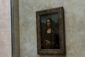 De ce Mona Lisa nu mai are gene și sprâncene?