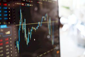 De ce crește cursul valutar? De ce se devalorizează leul în raport cu Euro?