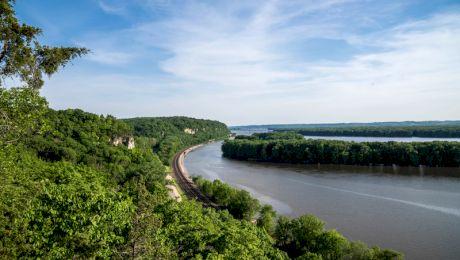 Ar putea Dunărea să curgă înapoi? E adevărat că mai multe cutremure au făcut ca Mississippi să curgă înapoi?