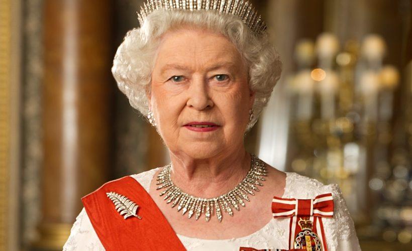 Regina Elisabeta a Marii Britanii