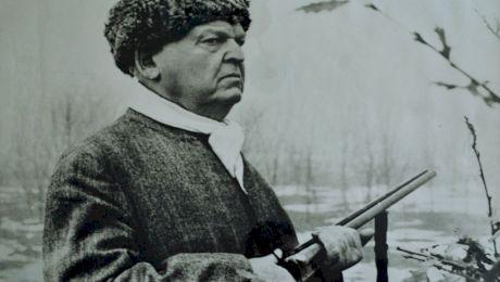 Cât de zgârcit era Mihail Sadoveanu? Ce i-a făcut unui țăran care i-a rupt o cazma?