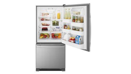 Ce se întâmplă dacă bagi alimente fierbinți în frigider?