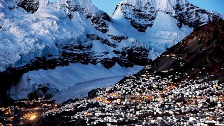 De ce locuitorii orașului La Rinconada din Peru nu pot părăsi urbea întreaga viață?