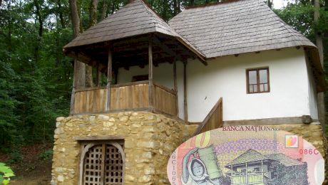 Cum arată în realitate casa de pe bancnota de 10 lei?