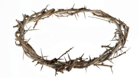 E adevărat că într-o biserică abandonată din România se află spini din coroana lui Iisus?