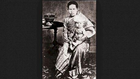 Cum a fost condamnată la moarte o regină de o lege cu care ea a fost de acord?