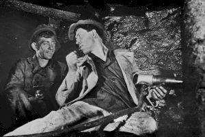 E adevărat că în comunism nu exista șomaj și toată lumea avea un loc de muncă?
