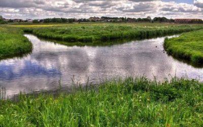 Există două râuri care se intersectează fără ca apele să se amestece?