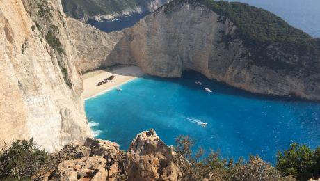 Care este povestea epavei de pe plaja Navagio din Zakynthos?