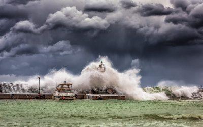 E adevărat că în Marea Neagră au fost valuri tsunami de 5 metri înălțime?