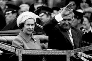 De ce Regina Elisabeta a II-a s-a ascuns de Ceaușescu în spatele unor tufișuri?
