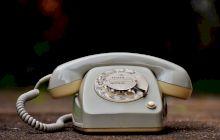 """De ce spunem """"Alo"""" când răspundem la telefon? Cine a venit cu ideea acestui cuvânt și ce înseamnă el?"""