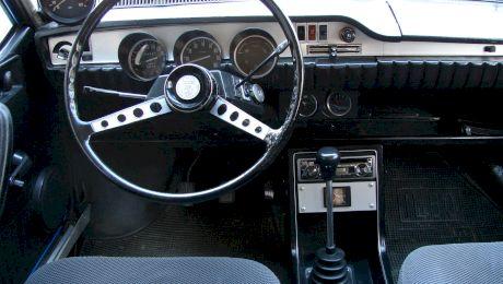 Ce opțiuni avea primul model Dacia 1301 Lux Super, destinat Securității și PCR-ului?