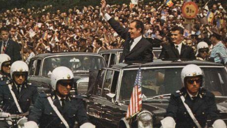 E adevărat că Richard Nixon a mâncat struguri în Piața Obor?