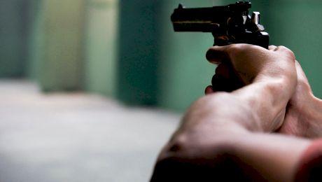 Când au voie să folosească pistolul polițiștii din România?