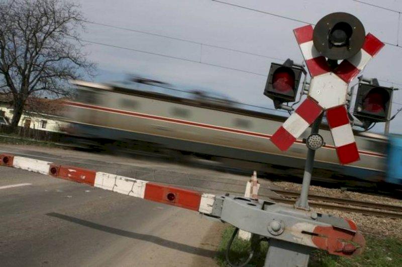 De ce la intersecțiile de cale ferată există Crucea Sfântului Andrei?