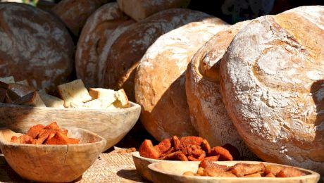 E adevărat că în Evul Mediu vasele din care se mânca puteau să facă… viermi?
