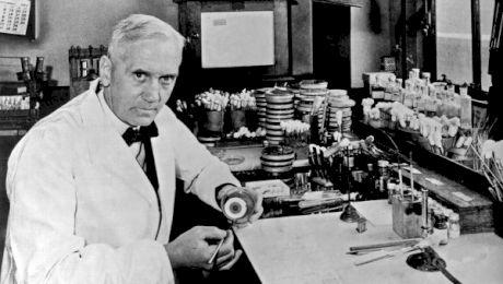 Cum a fost descoperită penicilina? Cine a fost primul om care a folosit antibioticul?