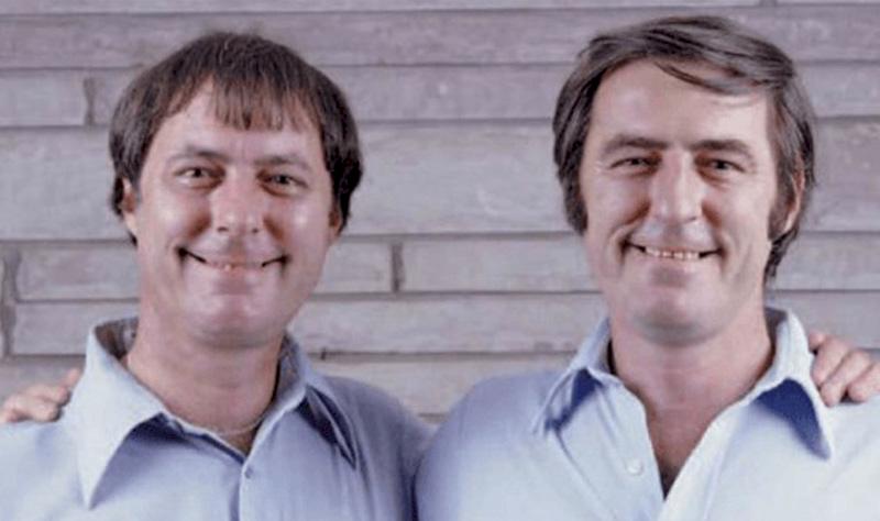E adevărat că au existat gemeni care au avut vieți identice fără să crească împreună?