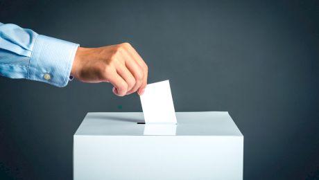 E adevărat că există o țară unde pe buletinul de vot apare un singur nume?