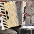 Cum suna prima manea care a fost cântată în România?