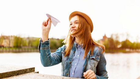 Cum să faci un avion de hârtie?