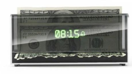 E adevărat că există un ceas care îți toacă banii dacă nu te trezești la timp?
