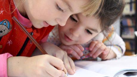 Ce este autismul? Cum se manifestă autismul?