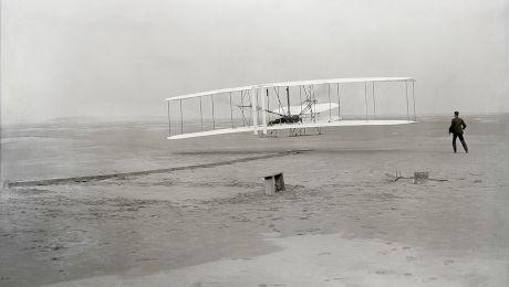 Cine a inventat avionul? Cum a fost inventat avionul?
