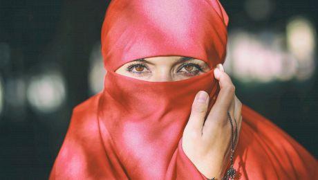 De ce poartă femeile islamice văl pe chip? De ce prostituatele nu au voie să poarte?