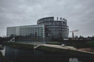 Se destramă Uniunea Europeană din cauza coronavirusului?