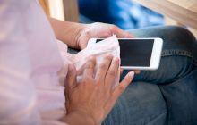 Cum să îți dezinfectezi corect telefonul?