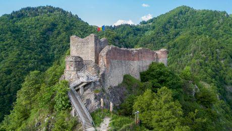 Cum arăta Cetatea Poenari în vremea ei de glorie?
