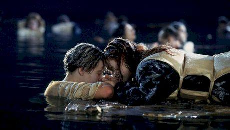 Încăpeau Jack și Rose, personajele din Titanic, împreună pe ușă, pentru a se salva?