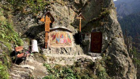 Cum arată chilia Părintelui Arsenie Boca din Munții Făgăraș?