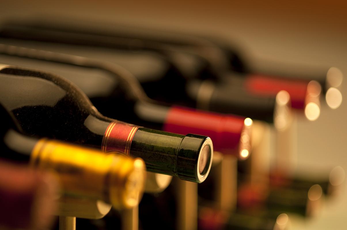 De ce sticlele de vin se păstrează la orizontală?