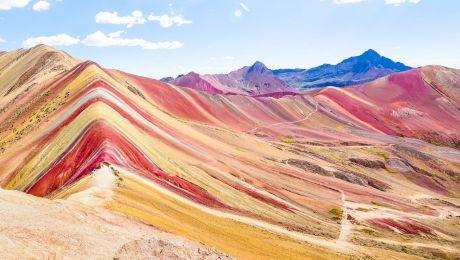 De ce Muntele Curcubeu din Peru arată astfel? Cum a apărut?