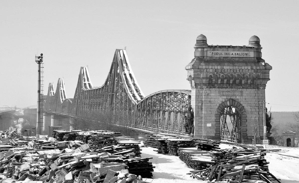slăbindu-mă în pod)