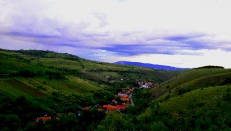 Care este satul din România unde sătenii lasă banii la poartă pentru că acolo NU SE FURĂ NICIODATĂ?