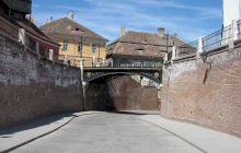 """De ce """"Podul Minciunilor"""" din Sibiu se numește astfel? Care este legenda locului?"""